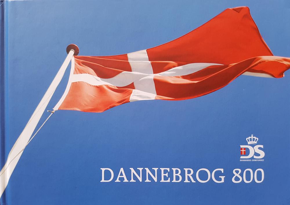 """Hans Christian Bjergs """"Historien om Dannebrog"""" fra Danmarks-Samfundet 2019."""